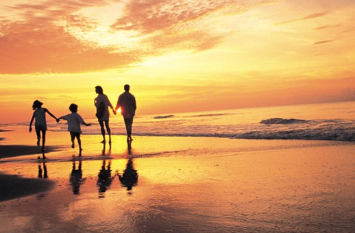 How to Stay Safe While on Holiday
